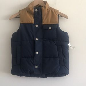 NWT Old Navy Boy's Puffer Vest Size 6-7